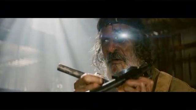 经典科幻大片,AK47激战外星兽族,彪悍的战斗场面震撼至极