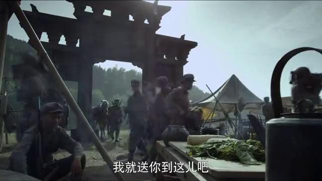 全团的人都得给三连让路,新来的战士不明白,老兵说出其中奥秘!