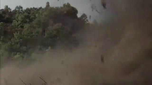 鬼子步兵被中国军队打怕了,只好用炮兵火力覆盖,真欺负人