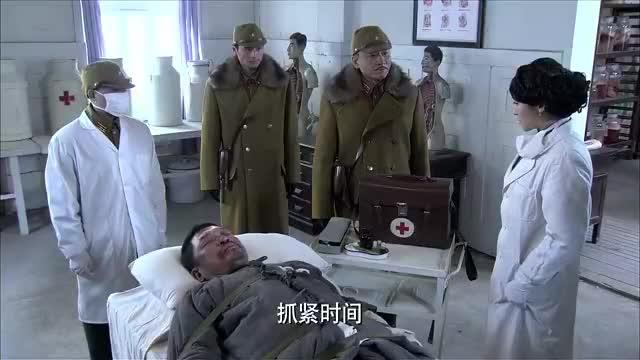 猎魔:鬼子要女医生给犯人打毒针,看清囚犯容貌后大惊,是父亲