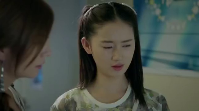 赵薇热剧:赵老师要出国留学,问帅哥的意见,帅哥自大不敢阻拦她