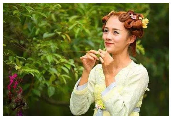 《花千骨》中的糖宝为啥不留刘海?看到她的齐刘海,真像个洋娃娃