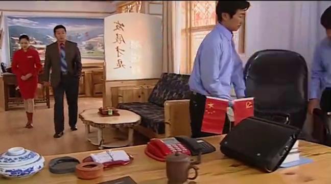 二奎刚当上总经理就抢亲爹办公室,刘老根咣咣踹:跟你比我还未婚