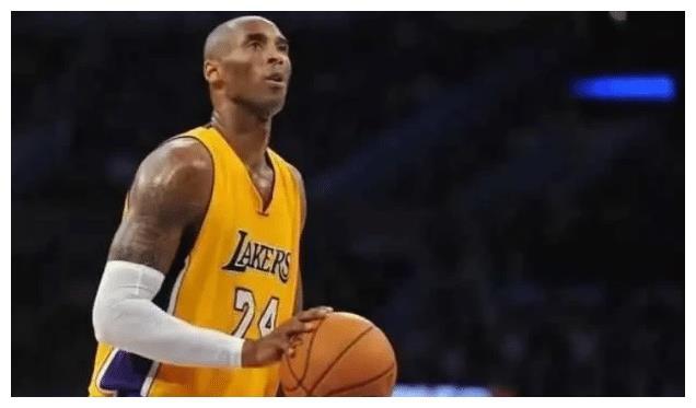 乔丹是公认的篮球之神,也是历史最强得分后卫,乔丹的得分能力之强难以用语言来形容