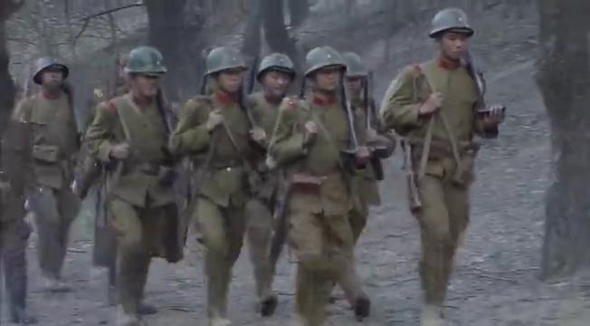 蒋介石在洛阳召开一二战区高级将领会议,刘伯承给友军讲游击战术
