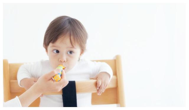 6个月的宝宝吃什么辅食会比较好?你真的知道?看育儿专家的理解