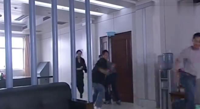 第一速度:嘉玲等人预备恶作剧齐浩南,却没有达到他们想要的结局
