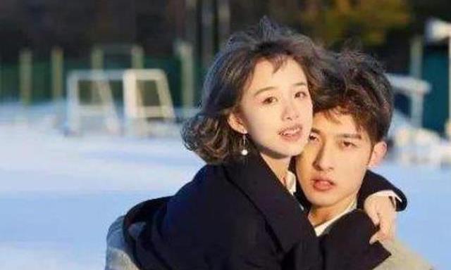 阿沁自曝说年会时喝多了,想到刘阳就崩溃大哭,朋友以为她抑郁了