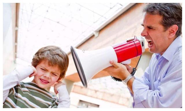 宁愿丧偶式育儿,也不要让这几种爸爸带孩子,网友:太扎心