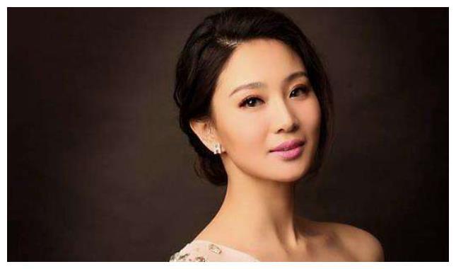 """34岁""""最美军花""""侯梦莎,因戏生情嫁给演员任柯诺,如今很低调"""