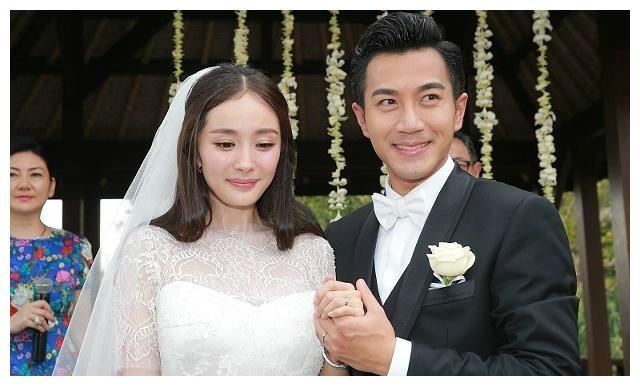 懒理杨幂恋情,刘恺威约多名辣妹聚豪华游艇,46岁似26岁