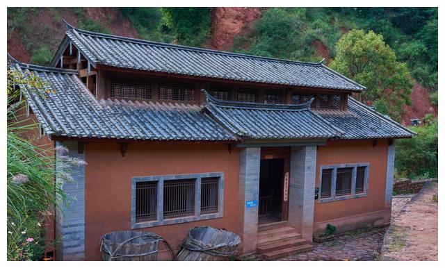 云南传承千年的古法火腿工艺,井水中提炼盐腌制,媲美西班牙火腿