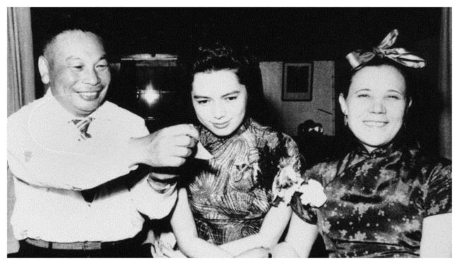 蒋孝章——蒋经国的掌上明珠,公主却想过灰姑娘的生活