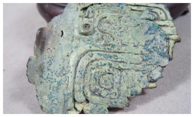 废品变宝贝?重庆男子65元出售90公斤废铁,专家大喜:最少值3亿