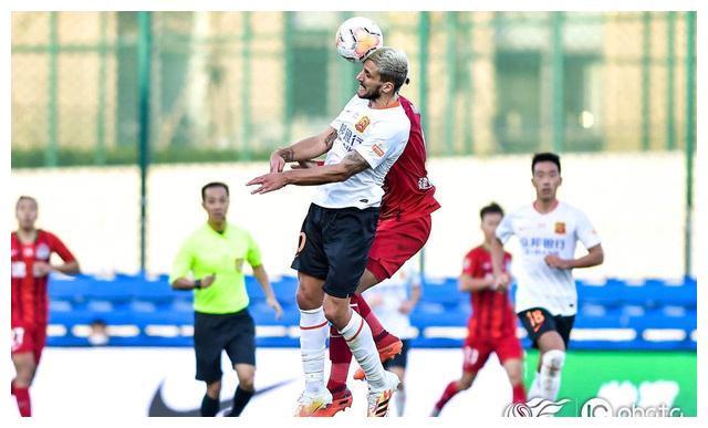 武汉卓尔饱受锋无力困扰 教练组要求球员忘掉这场0-1