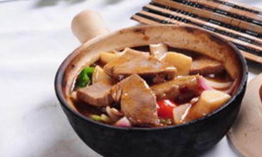 开胃菜:牛腩萝卜,家常豆腐,金牌白萝卜,凉拌蒸茄子