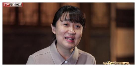 《为你喝彩》:扎根人艺近三十年 曾执导百部京城大戏