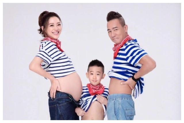 恭喜!应采儿正式生产二胎,陈小春再次喜获儿子一枚