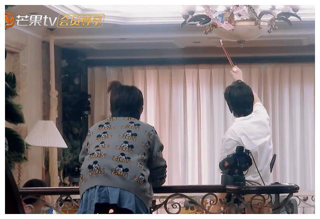 二胎将生,刘璇让5岁儿子单独睡一间,应采儿对jasper宽松