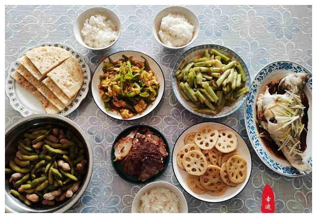 假期即将结束,我们今天吃个团圆饭,家的味道才是最美味的