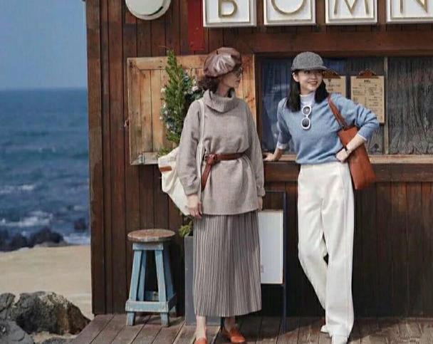 三木和57岁妈妈的7套穿搭,把优衣库穿出高级感,国庆穿时髦