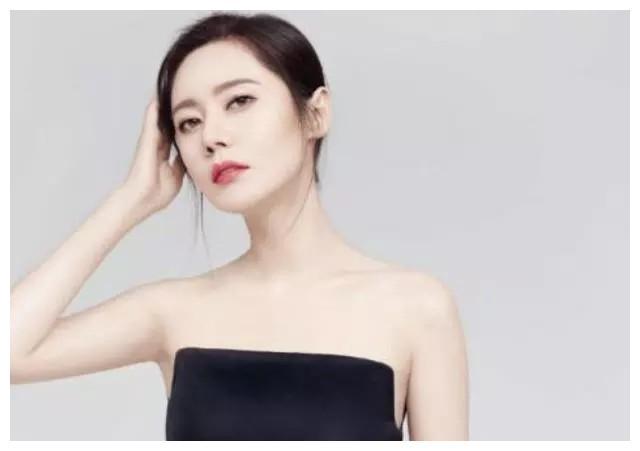 离婚风波之后,秋瓷炫终于现身,并且发文向粉丝道歉!