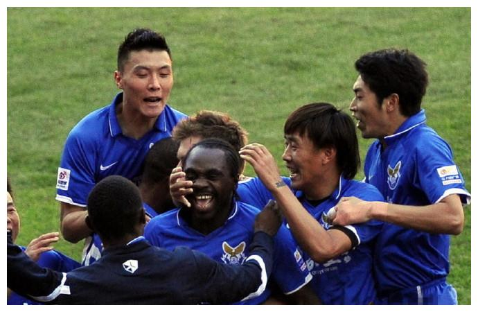 大连足球史上今天:2012年乌塔卡2射1传,大连阿尔滨3比1北京国安