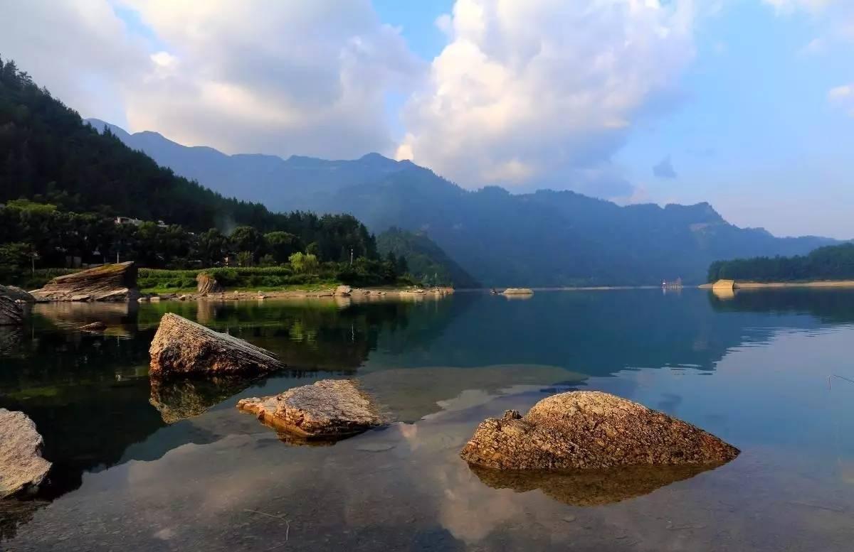 重庆被忽略的湖泊,是高山淡水湮塞湖泊,是十佳避暑休闲目的地