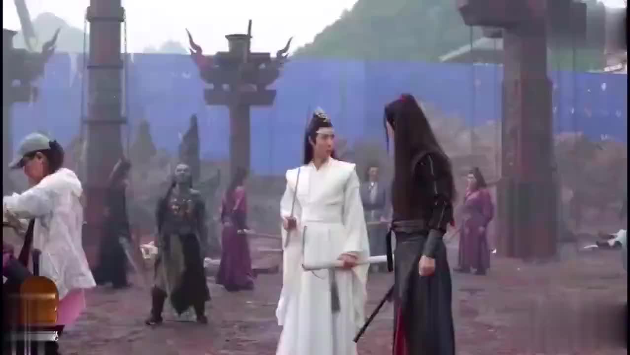 《陈情令》新花絮:肖战王一博在片场互怼,这笑声太可爱了!
