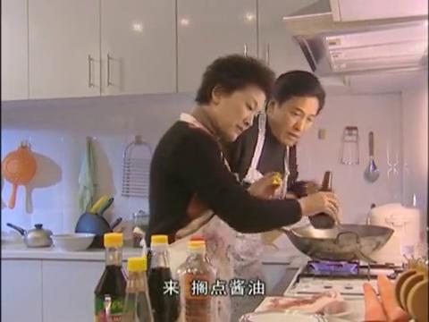 摄影妈妈为补往日流失的亲情愿留家中煮汤
