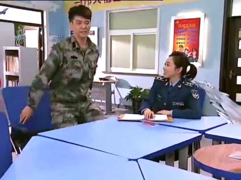 """大学生士兵:徐帅听了医生的话,帮她纠正""""药""""字,最后绝望了"""