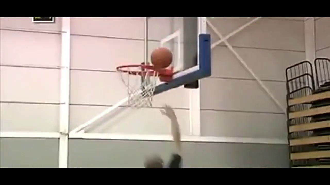 超火的篮球过人教学