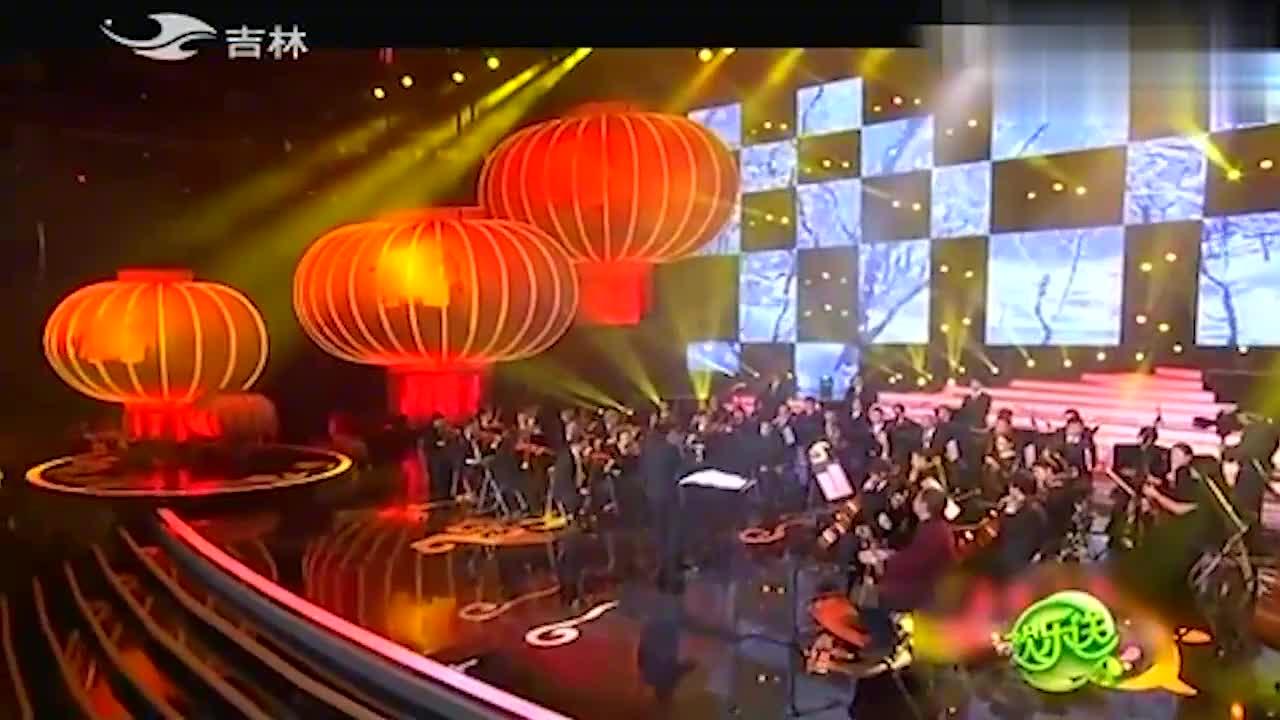 欢乐送:冯巩操琴李军演唱一段京剧《智取威虎山》,太有韵味