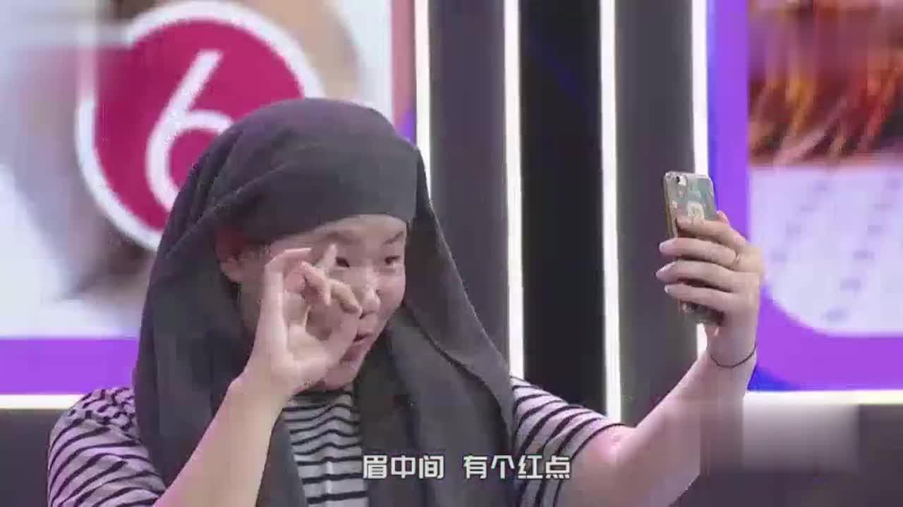女孩神模仿岳云鹏,网友都炸了,相似度99%啊