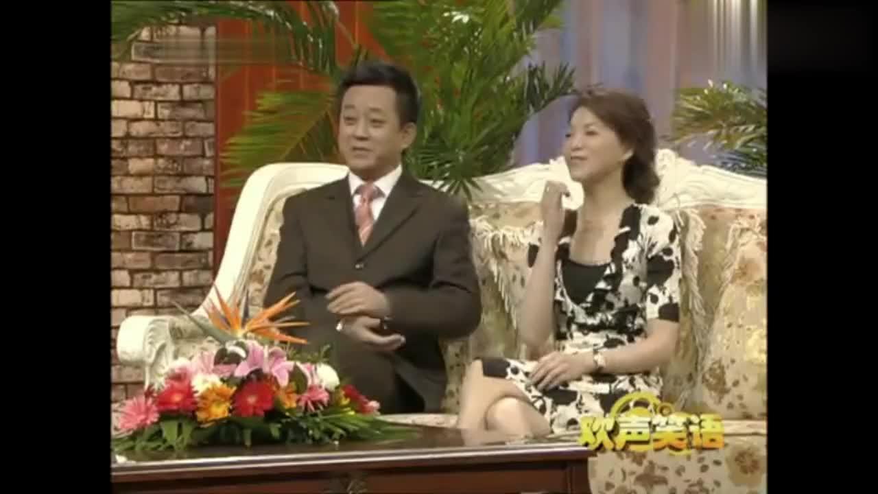 周涛董卿朱军一起聊天,原来董卿是学表演的,话剧才是她老本行