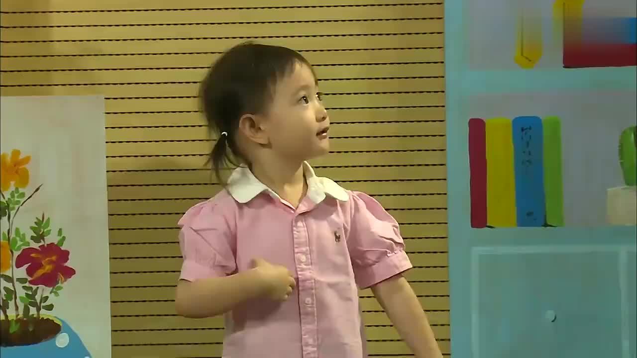 奥莉跳小苹果舞蹈,突如其来的神游,结局简直萌化了!