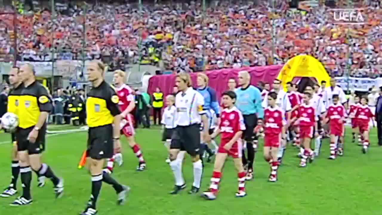 经典回顾 2001欧冠决赛拜仁点杀瓦伦西亚