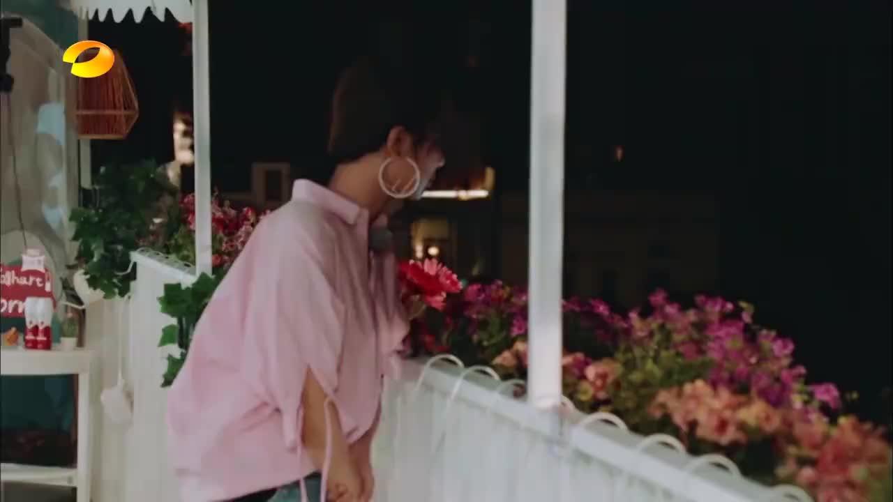 中餐厅:杨紫遇突发情况,手指被夹失去知觉,黄晓明做法超暖心