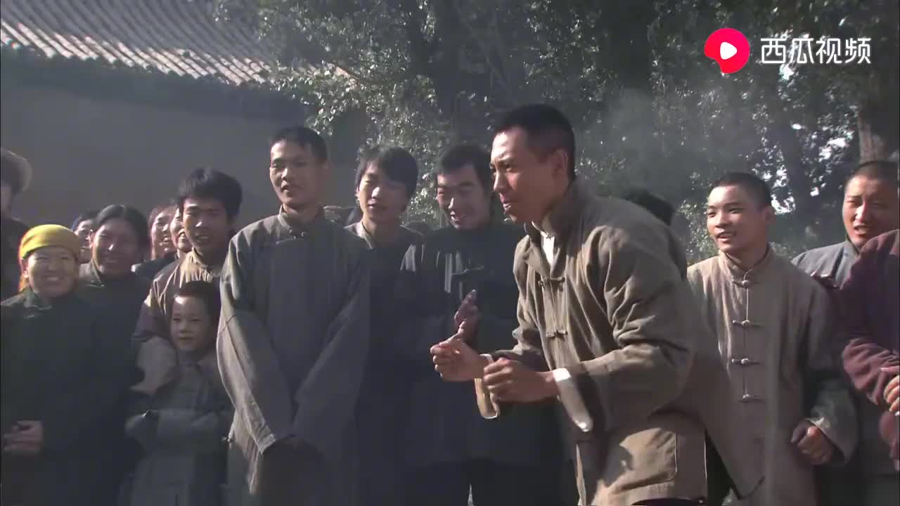 日本大力士来中国撒野,没想到被瘦小子暴打,真解气