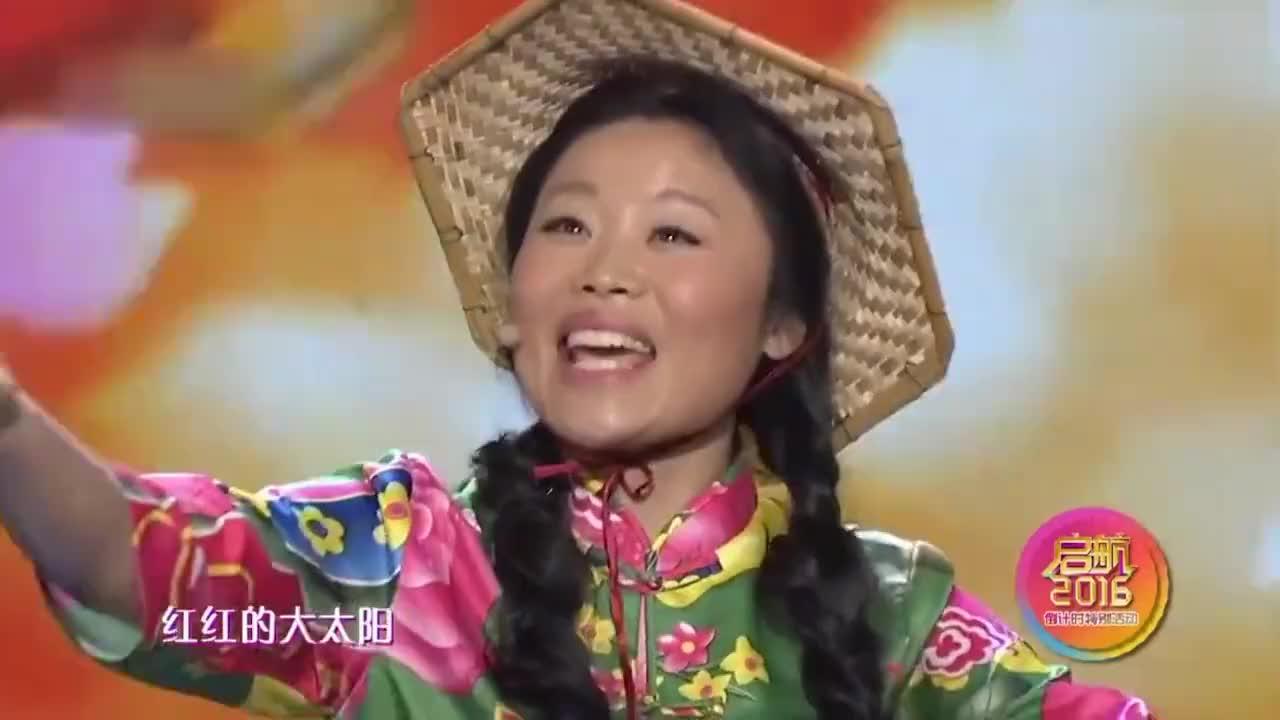 同样是农民女歌手:草帽姐杀猪姐比拼高音