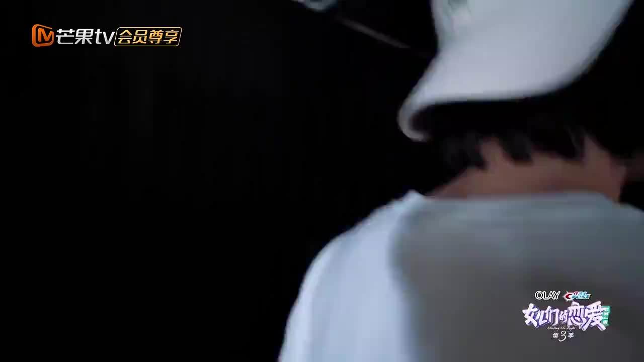 黄皓为什么能被萧亚轩爱上,看完他跳舞我秒懂,搁谁谁不爱!
