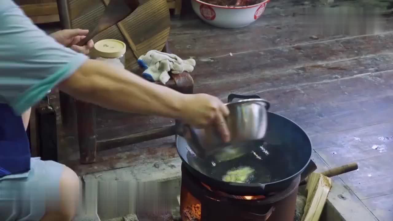 黄磊美食现场:太有食欲让人流口水,不愧为被明星事业耽误的大厨
