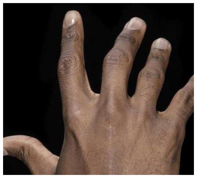 乔丹切雪茄切断食指,从此变残疾,为何依旧可以拿下三连冠?