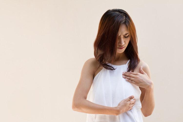 """25岁得了乳腺癌,3个坏习惯很常见,她提醒:别""""作""""出癌症!"""