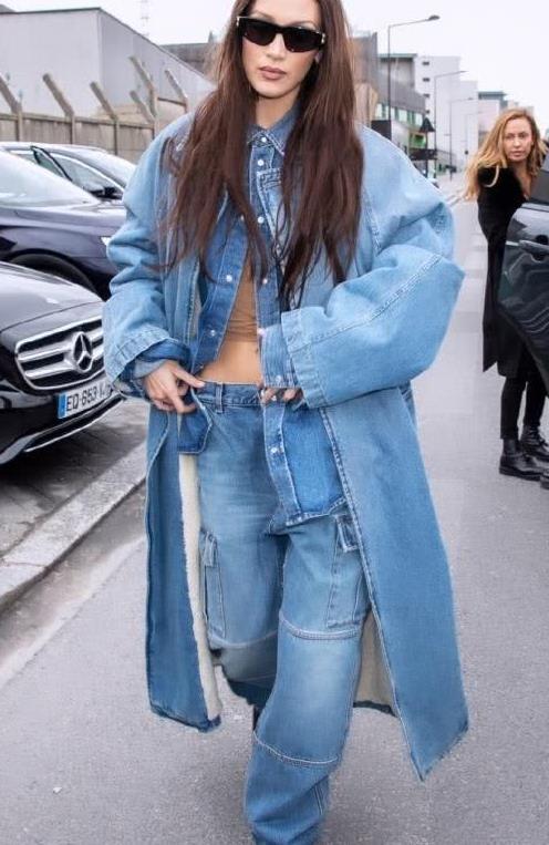 """贝拉哈迪德太野性,牛仔服披在身上像""""战衣"""",太豪放了"""