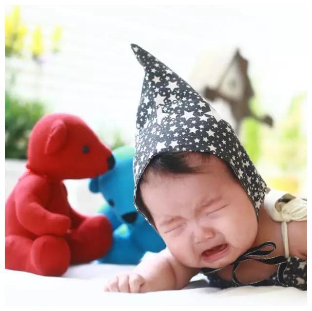 俯卧时光,宝宝探索世界的开始 | 长和大蕴育儿科普