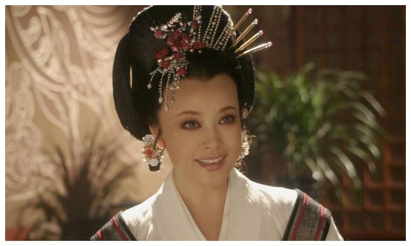 陈国军提及刘晓庆已风轻云淡,直言二人还没有结束,曾爱得炙热