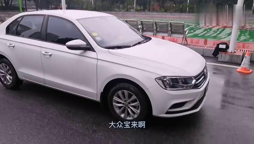 视频:18年手动大众宝来还值多少钱?看看这台车主寄售宝来怎么样?