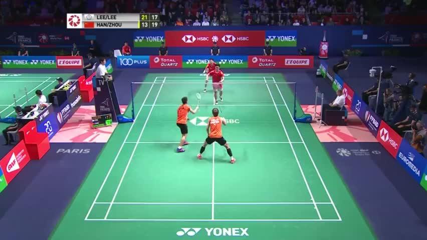 羽毛球:男双比赛鱼跃救球 不过韩呈恺没给对手秀的机会