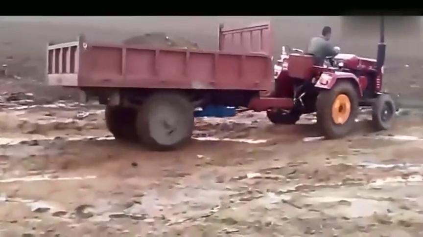 沼泽地越野牧马人也比不了,农用四轮车拖车液压驱动